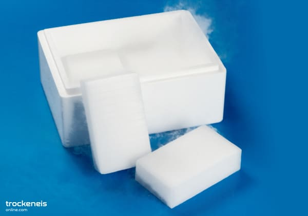 Trockeneis Box mit Blöcke
